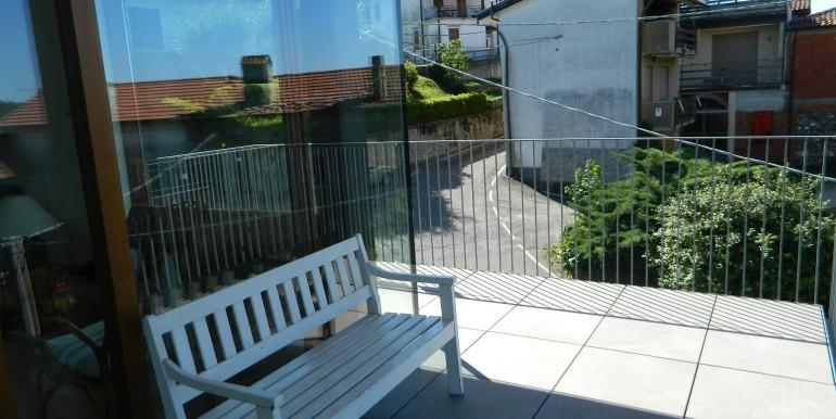 Arolo nuovo bilocale vendita balcone