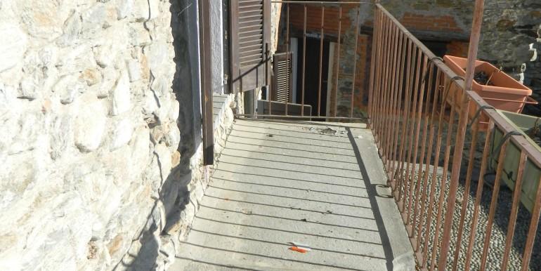8.Laveno bilocale affitto balcone
