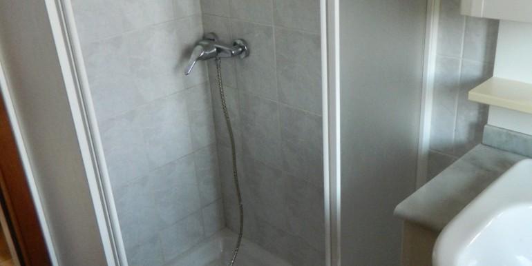 Premeno casa singola vendita bagno