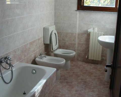 Laveno  quadrilocale affitto  bagno